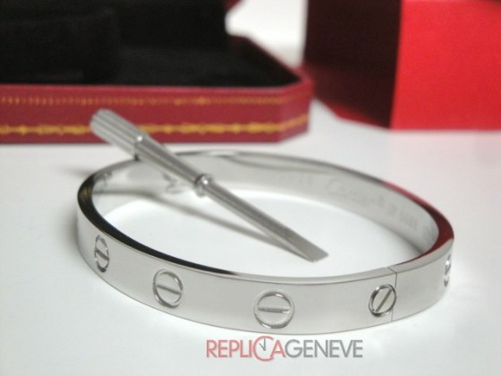 18replica cartier gioielli bracciale love cartier replica anello bulgari