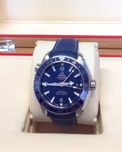 Omega replica Planet Ocean 43.5mm 232.92.44.22.03.001 2016 orologio replica4