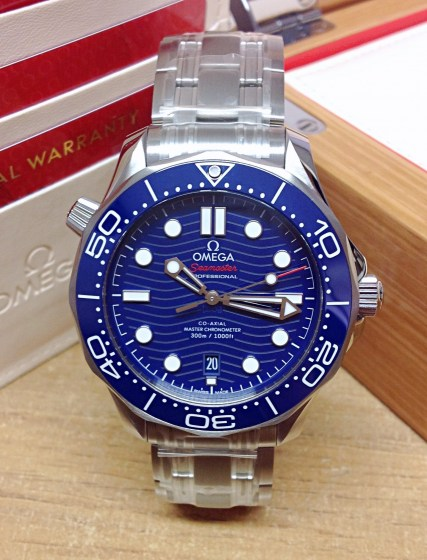 omega replica Seamaster 300M 42mm 210.30.42.20.03.001 blue dial-8